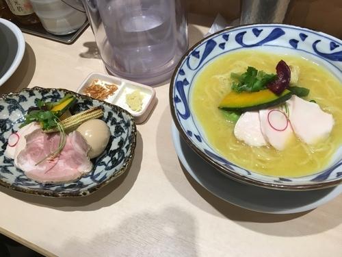 「鶏白湯Soba 特製」@銀座 篝 Echika池袋店の写真