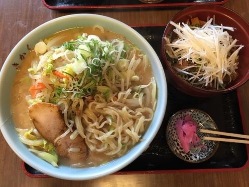 「味噌ラーメン(800円)半チャーシュー丼(300円)」@食堂きかくの写真