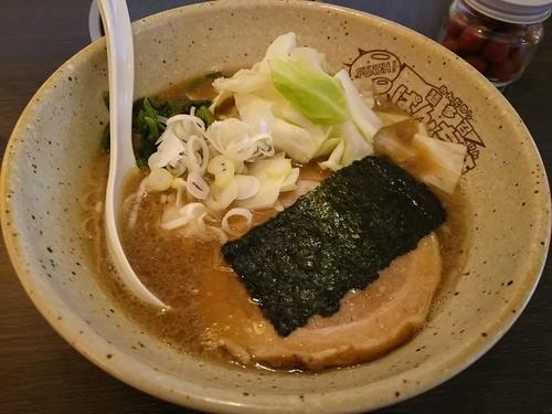 「しょうゆとんこつ(太麺)」@ラーメン 轟の写真