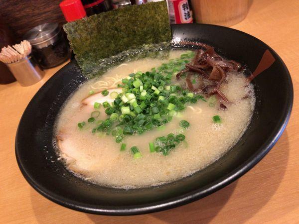 「塩豚骨ラーメン(細麺)」@麺屋 忍の写真