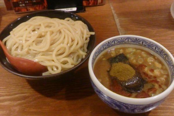 「灼熱つけ麺」@つけ麺専門店 三田製麺所 渋谷道玄坂店の写真