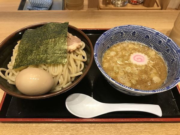「味玉つけ麺」@舎鈴 東京サンケイビル店の写真