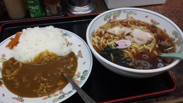 「Bセット(ラーメン+カレー)650円」@丸鶴の写真