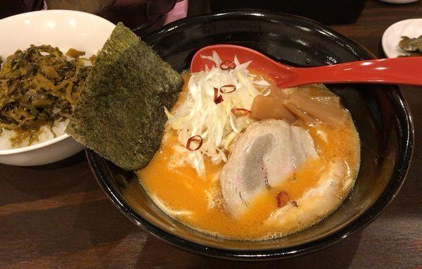 「赤い炎鶏白湯ラーメン(辛さ1/2)+高菜飯セット」@麺処GAKUの写真