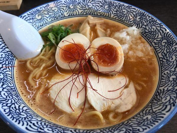 「濃厚鶏辛味噌らーめん 味玉子 900円」@麺匠なべすけの写真