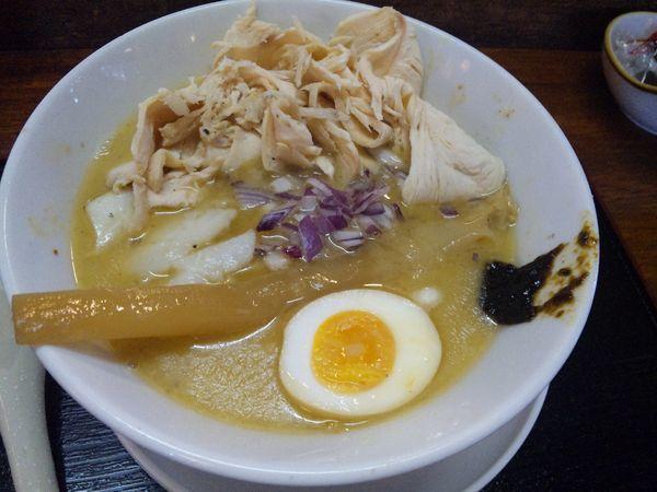 「鯛鶏白湯 800円 鶏チャーシュー増しサービスクーポン」@中華そば はやつの写真