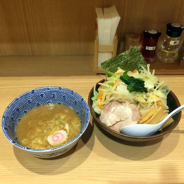 「野菜つけめん」@舎鈴 新宿西口店の写真