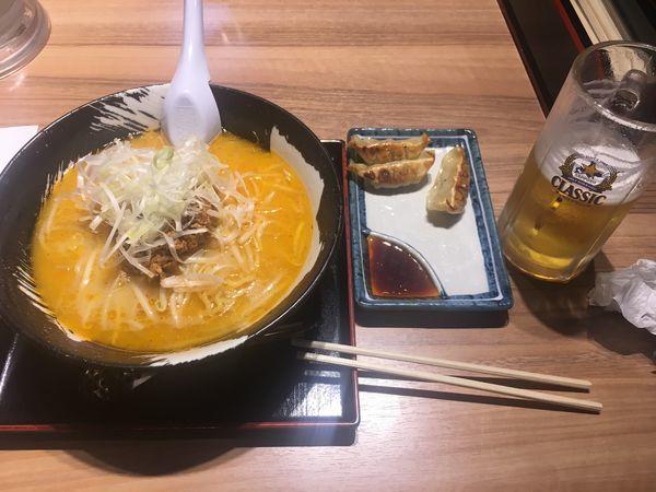 「ほぐし味噌ラーメン ギョウザセット クラシック」@札幌ラーメン 雪あかりの写真