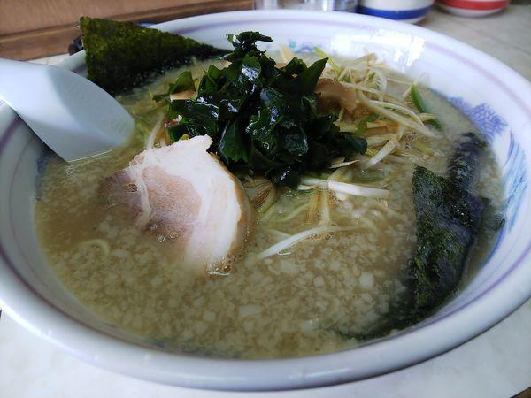 「ネギラーメン・麺硬め&脂多目」@ラーメンショップ 塚崎店の写真