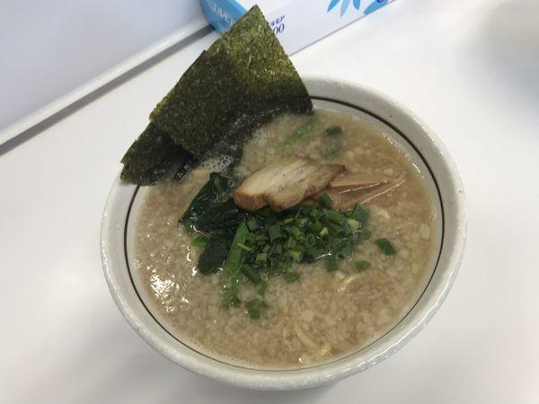 「塩豚骨ラーメン」@あおとう あすとろ渡田店の写真