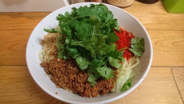 「汁なし担々麺(大)+パクチー」@自家製麺 てんかの写真