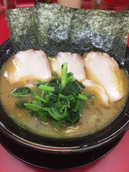「チャーシュー麺中盛硬め濃いめ、小ライス」@家系ラーメン 王道家の写真