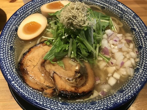 「飛魚味玉そば」@必死のパッチ製麺所の写真