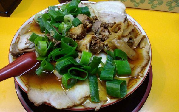 「チャーシュー麺・中盛」@麺屋7.5Hz+ 梅田店の写真