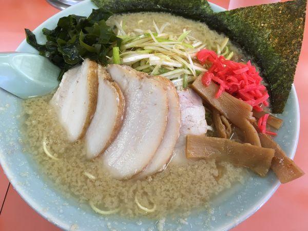 「ネギチャーシュー麺(超こってり、醤油)」@ラーメンショップ 尾島店の写真