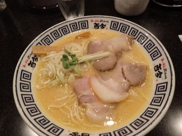 「天然塩の極上あさりそば ¥750」@麺道 而今 総本家の写真