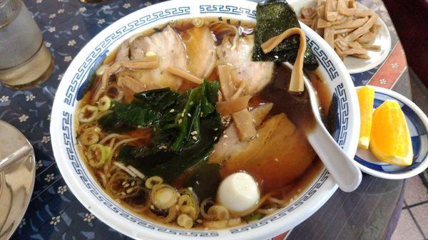 「チャーシュー麺 大盛り(940円)」@富久栄楼の写真