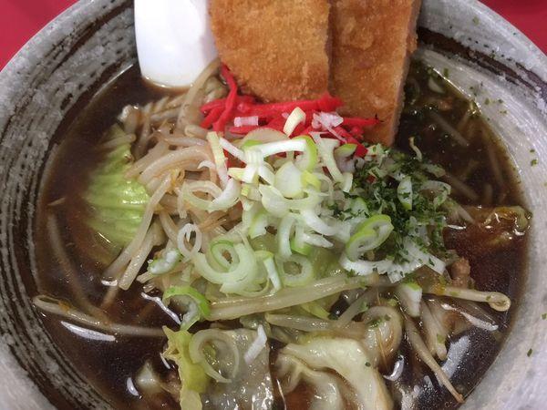 「ソースラーメン ハムカツのせ」@中華料理 大輦の写真