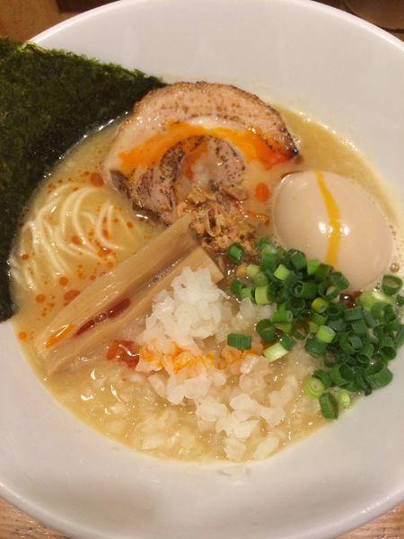 「鶏白湯(2辛)」@煮干しそば 虎愼の写真
