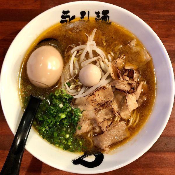 「エビらーめん (800円) 味付け煮玉子 (100円)」@永斗麺の写真