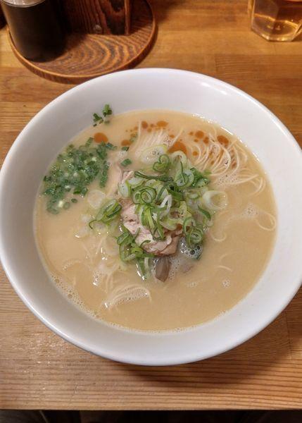 「鶏白湯醤油ラーメン」@らーめんや なかじゅう亭 高崎市通町本店の写真