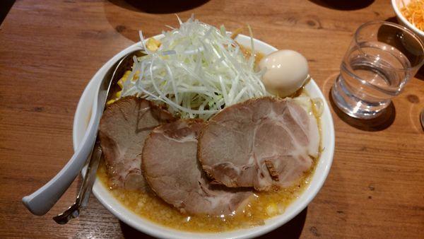 「得野菜たっぷり味噌ラーメン大盛り」@ラーメン 嘉祥の写真