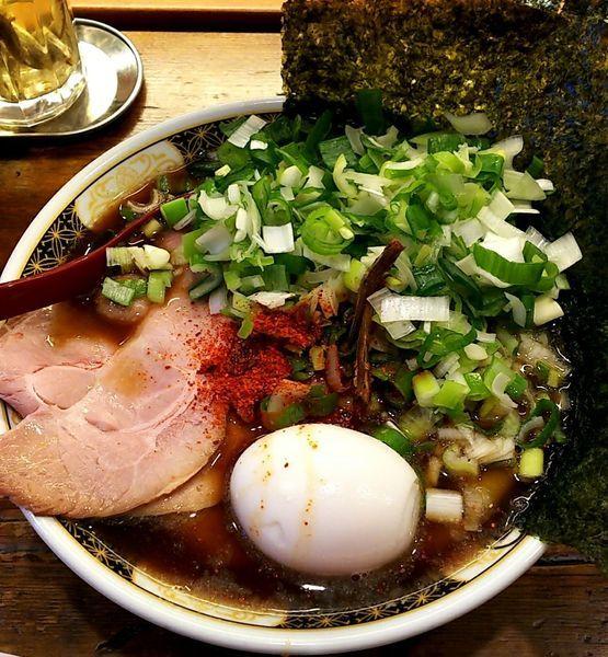 「すごい煮干しラーメン 駒葱」@ラーメン凪 大宮店の写真