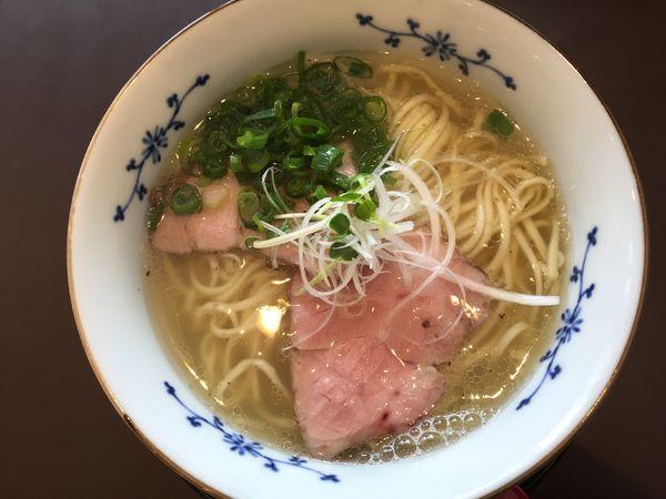 「煮干しラーメン(塩・大盛)+ぶたマヨごはん」@麺屋 粉哲の写真