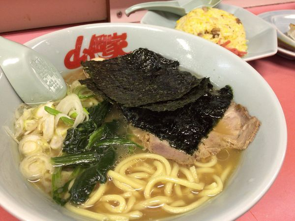 「醤油ラーメン 650円」@ラーメン山岡家 牛久店の写真