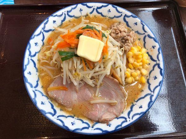 「味噌ラーメン+バター」@兎に角 another leafの写真
