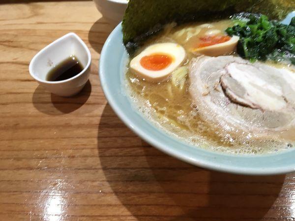 「特製ラーメン」@横浜らーめん 壱八家 本厚木店の写真