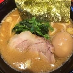 横浜家系らーめん 清水家の写真