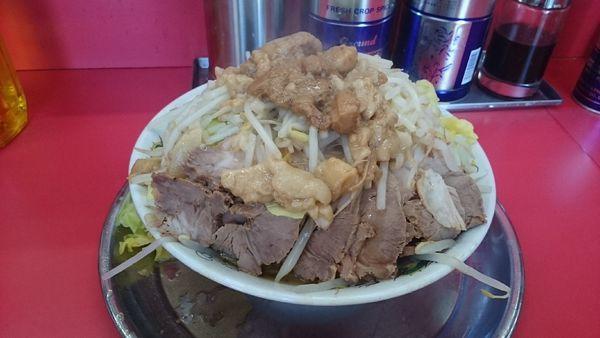 「チャーシュー麺(ヤサイブロックアブラ)¥800」@麺でる 田園調布本店の写真