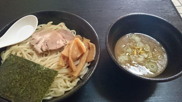 「濃厚魚介つけ麺800(大盛+100)」@ラーメン山車の写真