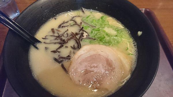「ラーメン」@めん吉 筑紫口ビル店の写真