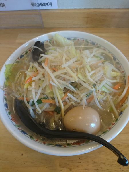 「塩タンメン 750円 味玉(ラーパス)」@らーめん高橋の写真