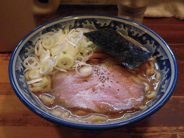 「ラーメン(ネギ多め)780円」@兎に角 松戸店の写真