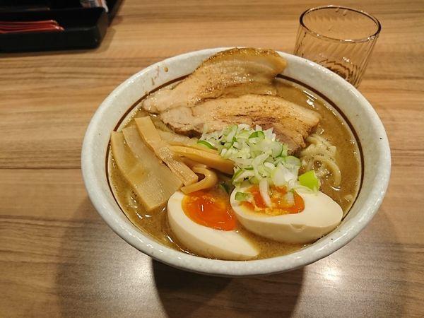 「特製ラーメン(大盛)」@麺屋かとうの写真