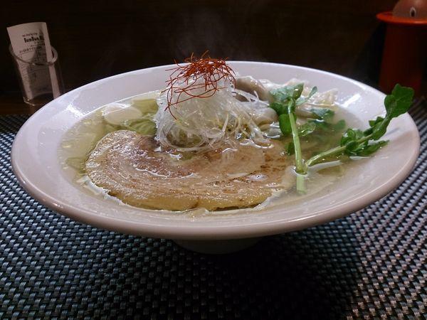 「ワンタン麺塩」@BumBunBlauCafe with BeeHiveの写真