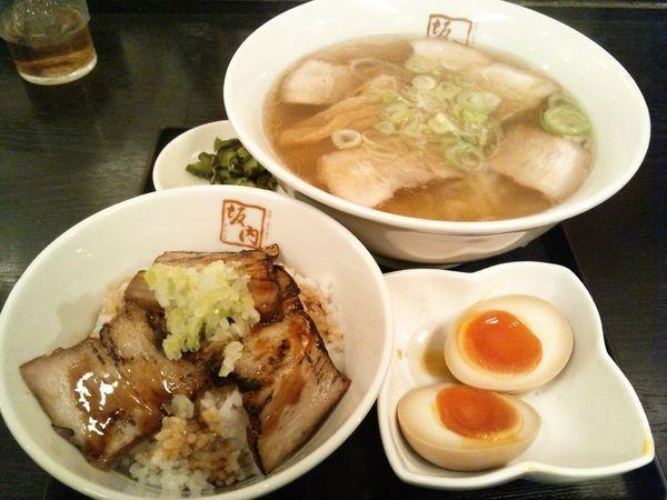 「喜多方ラーメン炙り焼豚丼味玉セット」@喜多方ラーメン坂内 錦糸町店の写真