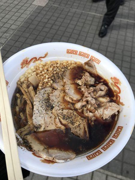 「漢の肉盛り富山ブラックチャーシュー麺」@名古屋ラーメンまつり2018の写真