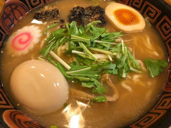 「鰻ラーメン(醤油)+やわらか鰻兜+鰻出汁煮玉子」@八べえの写真