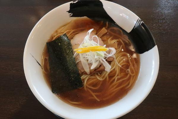 「煮干し中華 700円」@手仕事 らぁめん 八の写真