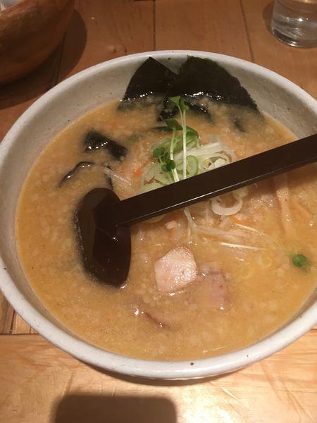 「ハーフ味噌らーめん」@白樺山荘 北海道ラーメン道場店の写真