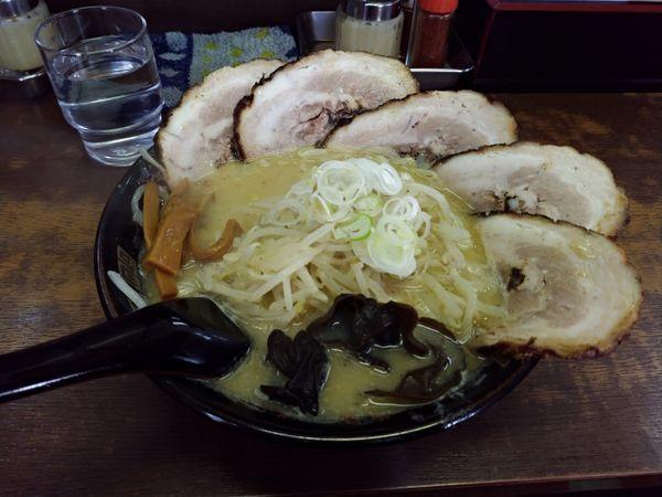 「味噌ラーメン+ちゃーしゅー」@北海道ラーメン コシ屋 西川口店の写真
