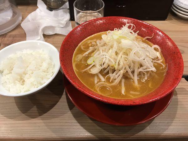 「味噌ラーメンライスセット720円」@札幌ラーメン みそ吟 九之坪店の写真