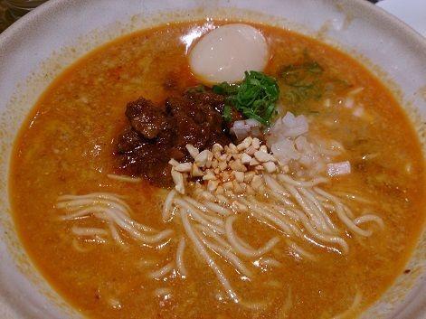 「極担担麺 叶奏(かなで)+味玉」@よってこや 南池袋店の写真