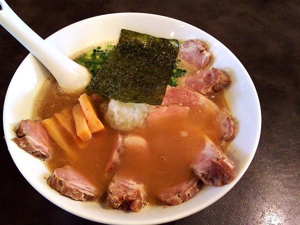 「醤油(チャーシュートッピング)」@麺や 麗の写真