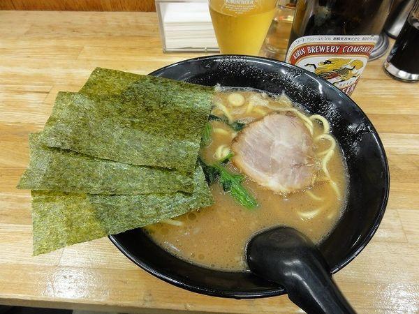 「ラーメン硬め 500円 中瓶ビール410円」@せい家 蒲田店の写真