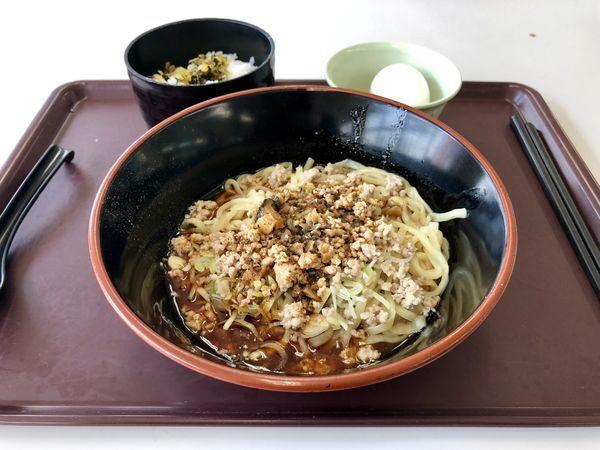 「汁なし担々麺・赤」@府中運転免許試験所B1食堂の写真